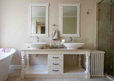Main vanity